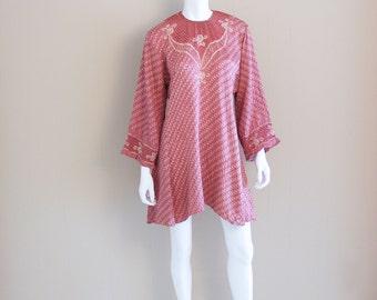 Vintage India silk dress. Pink, red, white. Ornate trim design. Wide sleeve.