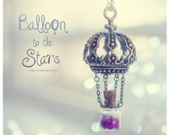 Hot Air balloon Tiny Bottle Necklace, with glitter stars. Glass vial necklace. Bottle Pendant, travel gift for her, Hot Air balloon necklace
