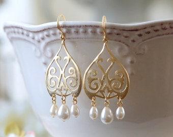 Gold Chandelier Earrings Cream White Teardrop Pearl Dangle Earrings Moroccan earrings bohemian Style Wedding Jewelry Bridal Earrings