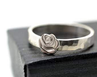 Silver Rose Ring, Women's Rose Wedding Band, Handmade Sterling Silver Wedding Ring, Men's Ring, Personalized Engraved Flower Jewelry