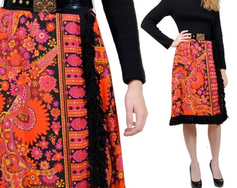 70s Floral Mod Midi Dress - Vintage Hippie Sweater Dress - Psychedelic Long Sleeve Dress - Medium