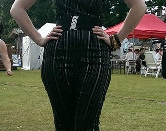 Super sparkly vintage 1950s inspired black with silver lurex thread stretch capri pants xs s and l rockabilly pinup VLV