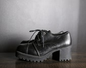 90s Black Leather Chunky Heeled Shoes / Booties / 9