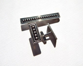 Set of Swank Cuff Links and Bar Tie Clip