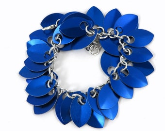 Blue Chainmail Bracelet Chainmaille Bracelet, Blue Chain Mail Jewelry, Scale Bracelet, Scalemaille