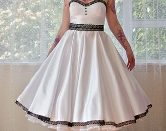 1950s 'Rose' Pin up Strapless Wedding Dress with Sweetheart Neckline & Full Circle Skirt with Black Lace and Petticoat - Custom made to fit
