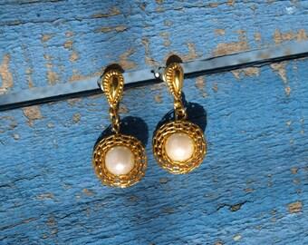 Vintage Nested Pearl Earrings Pierced
