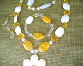 Yellow jewelry set, yellow beaded necklace, earrings and bracelets/white and yellow beaded necklace