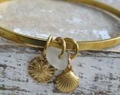 Maine sea glass bangle bracelet, seashells, sand dollar and sea glass bracelet, beachcombers bracelet,ocean theme jewelry,sea glass bracelet