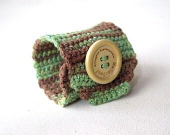 Handmade Crochet  bracelet..Green,Brown bracelet,button Woman Cuff Bracelet, Fashion Summer Jewelery Bracelet, Knit Cuff Bracelett