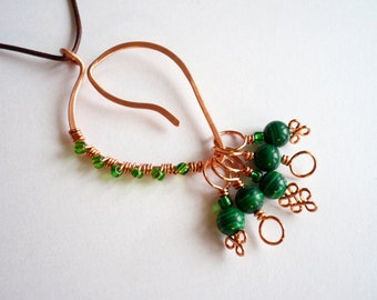 Stitch Markers With Pendant Marker Keeper / Holder - Green Glass Beads - Set of 5
