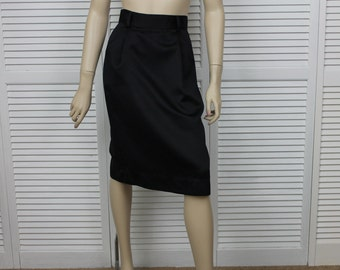 Vintage 1980s Black Pencil Skirt Size 6 by David Benjamin Made in the USA.