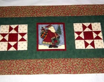Christmas Table Runner, Country Christmas Old Fashioned Santa