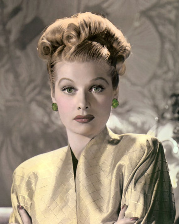 a biography of lucille ball a comedienne Answer to choose the main purpose for the piece of writing described a biography of lucille ball (the red-headed comedienne made famous by i love lucy) to.