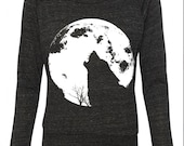 Womens Halloween WOLF howling at the full MOON Screen Print Top Long Sleeve Pullover Sweater Raglan us Slouchy American Apparel S M L XL