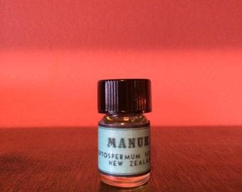 Manuka Essential Oil, Leptospermum scoparium, New Zealand  - 5/8 dram