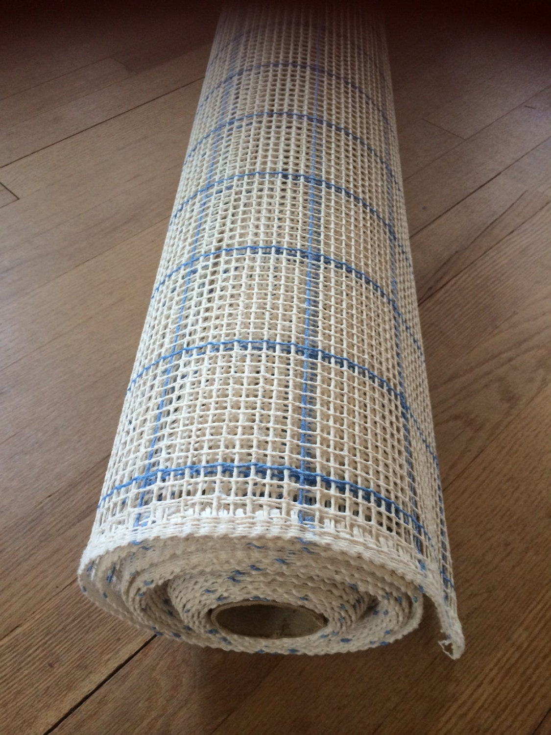Blank Rug Canvas 60 Wide X 7 Yards 3 75 Mesh