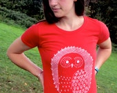 Organic Womens T-shirt, hand screen printed with eco-friendly inks. Featuring a festive snowy owl. **SALE HALF PRICE**