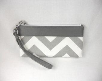 Chevron Wristlet Clutch with Faux/Vegan Leather Trim - Gray & White
