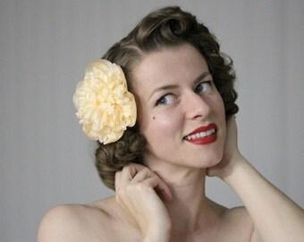 "Peach Hair Flower, Peony Hair Clip, Floral Fascinator, Large Hair Accessory, Apricot Wedding Hair Piece Vintage, 1950s - ""Peachy Dreams"""