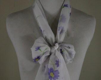 1970s Purple Daisy Oblong Scarf