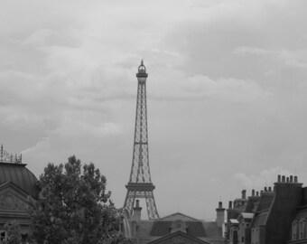Eiffel Tower Print, 8X10 Photo, Paris Photography, Architecture Art, French Photography, Paris Decor, Travel Photography, Eiffel Tower photo