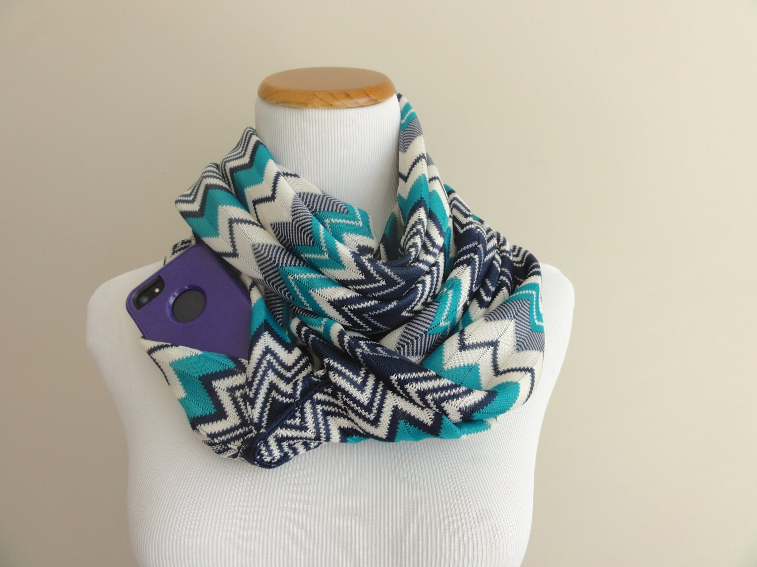 Chevron knit scarf with hidden pocket teal white travel for Travel scarf