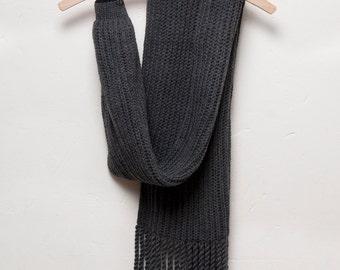 birdy scarf dark grey