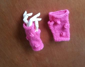 Girls fingerless gloves, pink girls gloves. Bright pink, handmade girls handknit wool.