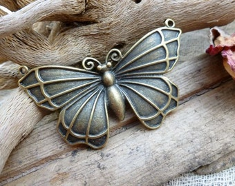 1x Large Butterfly Pendant Charms, Antique Brass Pendants C530
