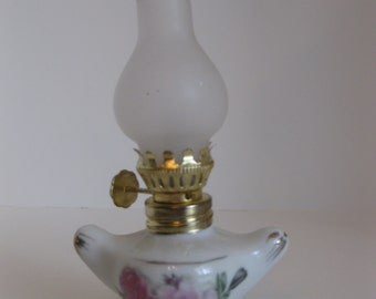 mini porcelain ANTIQUE OIL LAMP, pink rose, shabby chic, rustic, cottage, small, brass, kerosene lamp, collectible, gold