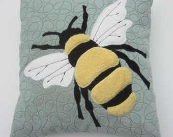 Bumble Bee (zippered slip)