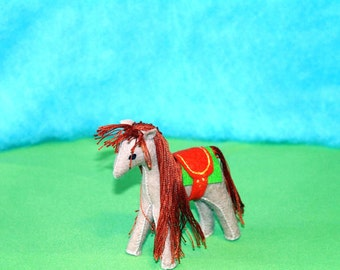 Waldorf Horse Miniature Doll (Beige with Saddle), Handmade From Natural Materials