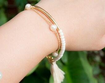 Pearl bracelet, Swarovski pearl bracelet, trio pearl, three pearls bracelet, friendship bracelet, bridesmaid, gold bracelet, cute bracelet