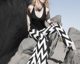 CHEVRON BLACK WHITE striped wide leg or flare leg bell bottom fashion gypsy hippie retro festival yoga beach lounge pants