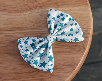 "4"" teal blue stars hair bow, blue and white fabric hair bow clip, cute hair bow, stars hair bow, cotton hair bow, girls kids hairbow"