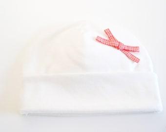 ORGANIC white hat by ecokatoen for newborn baby girls.