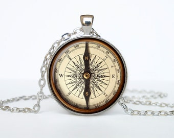 Old Compass necklace Old Compass pendant Vintage Compass jewelry Steampunk Retro Nautical necklaces