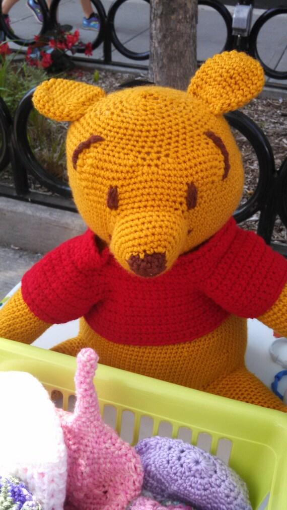 Amigurumi Winnie De Pooh : Amigurumi Crocheted Winnie the Pooh in Red TShirt