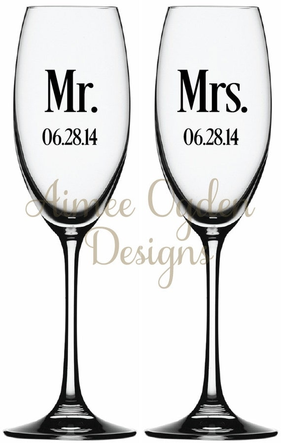 diy mr  and mrs  champagne glass    flute monogram vinyl decal