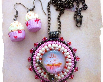 Very cute pink cupcake Pendant and Earrings