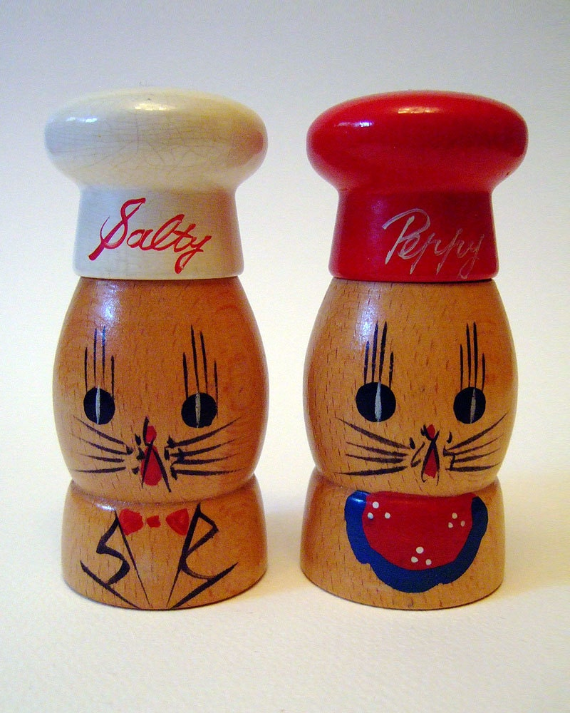 Vintage 1950s Kitsch Wooden Salty Peppy Chef Cats Novelty  : ilfullxfull569691689uh1p from hautejuice.wordpress.com size 800 x 1000 jpeg 204kB