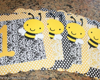 Bee Classroon theme - Table / Group signs, Personalized - Busy Bees