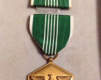 US Military Medal Badge (unissued)