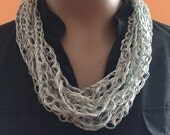 Silvery sage ribbon chain-crocheted short necklace scarf