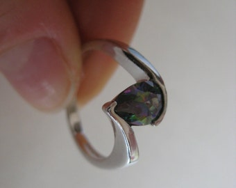 New Green Gemstone vintage sterling silver ring size 7.5