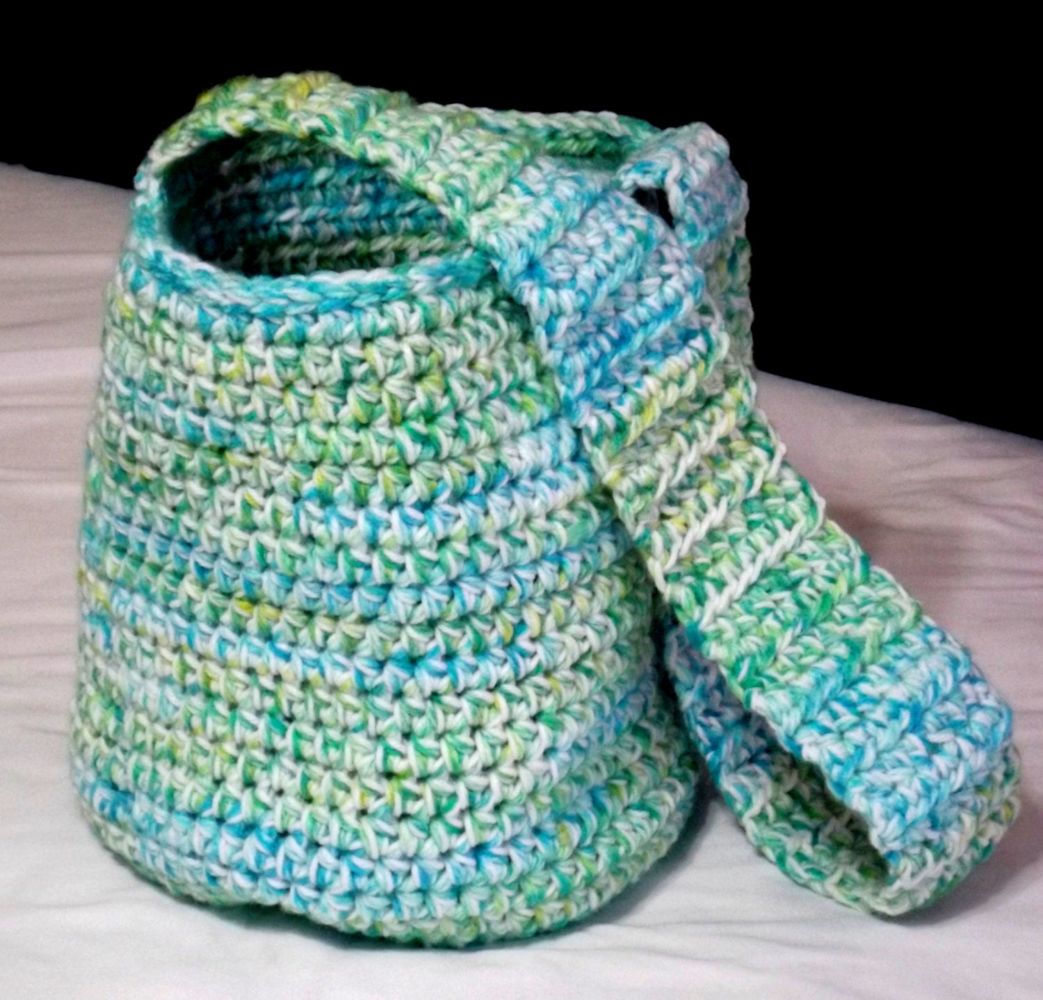 Crochet Over the Shoulder Bag by ORDINARYCROCHET on Etsy