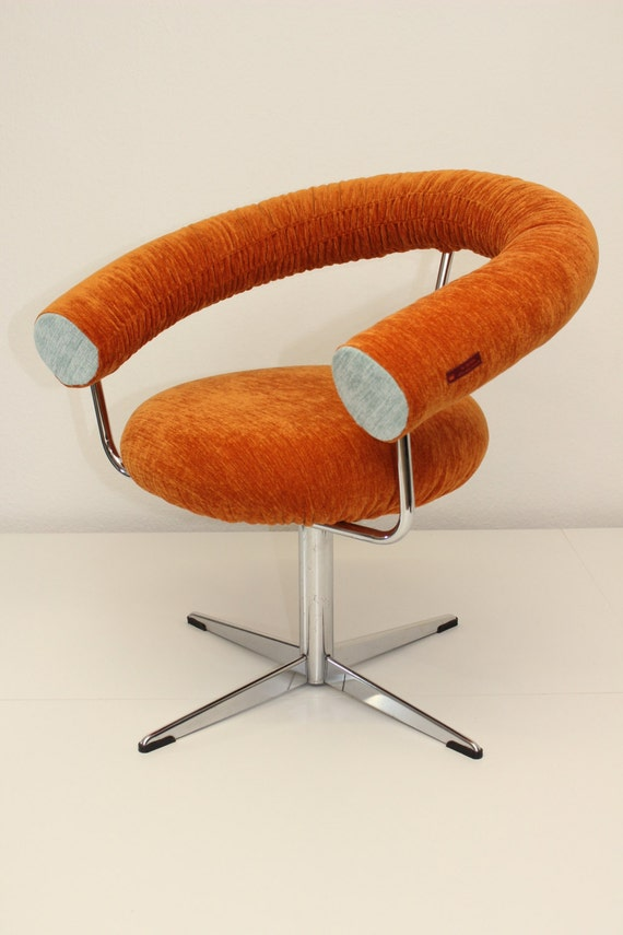 70s design swivel lounge chair in orange For your loosey life style