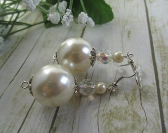 Pearl Earrings, Cream Pearl Earrings, Bridal Jewelry,Pearl Jewelry,Pearl Bridesmaid Gifts,Chunky Pearl Earrings,Earrings,Pearl Prom Earrings