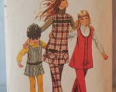 Simplicity 9537 - Cute Girls' Jumper Dresses & Pants - 1970s Pattern - Size 6 - Back to School - Vintage Retro - Tunic Top